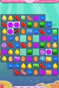 Candy Crush Saga screen 1